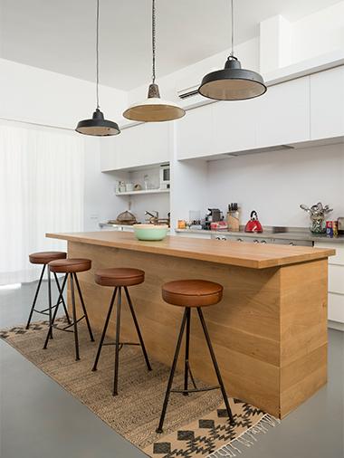kitchen table peninsula in formentera villa