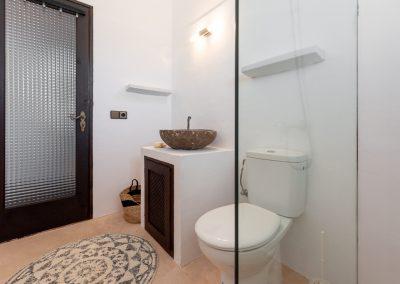 delightful bathroom at villa tierra
