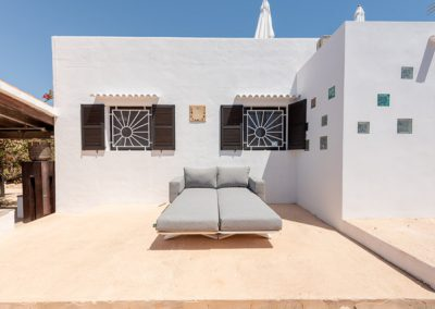 splendid white wall with sofa