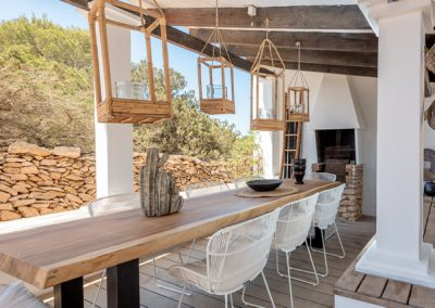 spaceful dining area for eight people at villa tierra