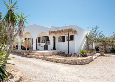 Villa Tierra is the perfect hideaway on the most beautiful island Formentera.