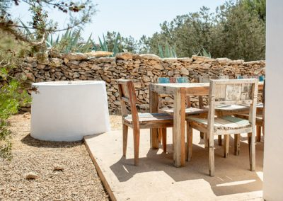 ibizenco style table with chairs and acient details
