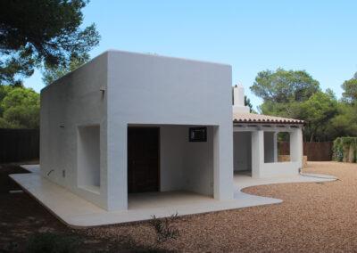 garden back view of villa sueño in Cala Saona formentera