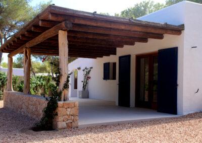 villa sueño entrance in la mola formentera