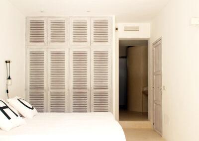 second bedroom closet in the cosy and beautiful villa sueño in formentera