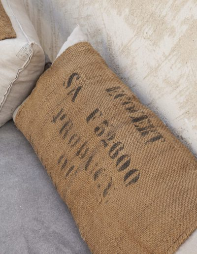 eco-friendly details of the pillow