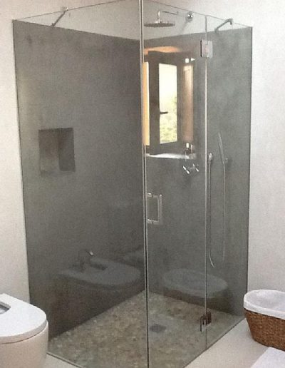 newly shower with glass villa eloisa