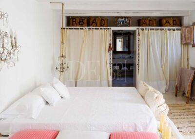bathroom and storage view in the suite of villa casanita, luxury villa for rent in Formentera island
