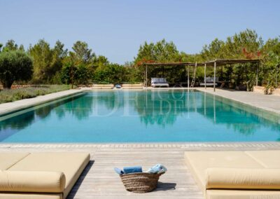 swimming pool terrace and sun deck for the best experience in formentera holidays