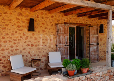 porch of the dependence in villa Barbara, luxury property for rent in formentera