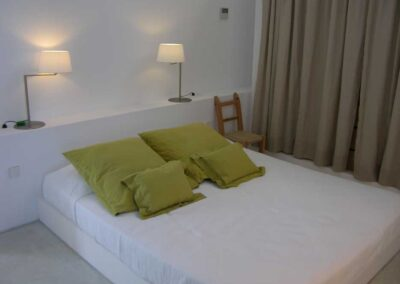 marvellous fourth bedroom with green pillow cover