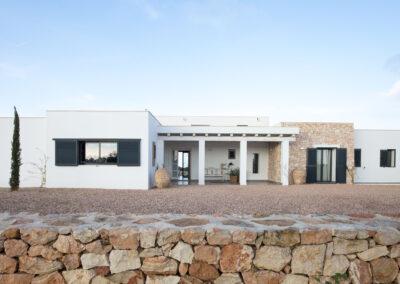 entrance shot of villa Soleil luxury property for rent in formentera, la mola